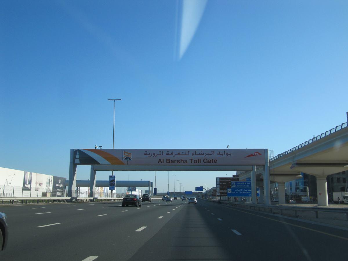 Sheikh Zayed Road, Dubai streets, peaje, saliks