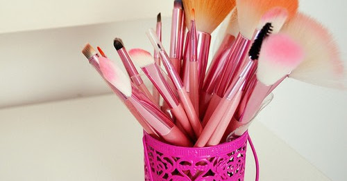How To Save Your Makeup Brushes
