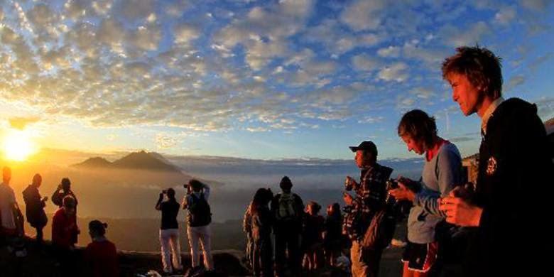 Melihat Sunset di gunung batur