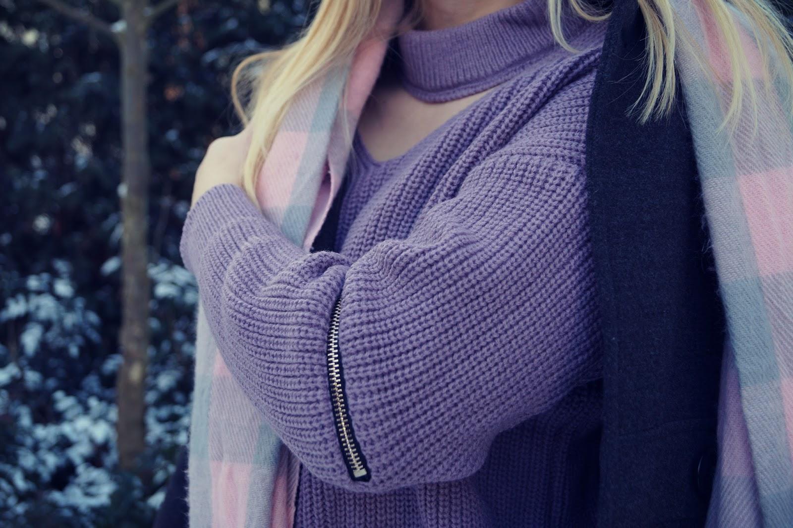 59. Choker sweater Zaful