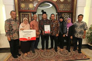 Ridwan Kamil dan penghargaan Telkom Nusantara Award