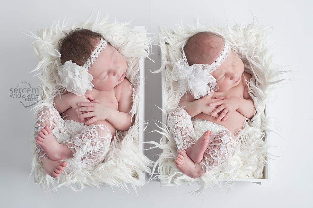 sesje noworodkowe z dojazdem do domu, fotograf specializujący się w pracy z noworodkami, zdjęcia noworodków