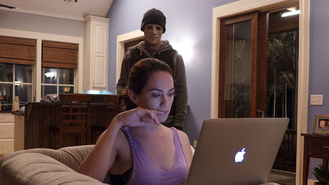 Kate Siegel en el papel de una escritora sorda en Hush