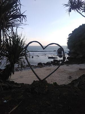 Teluk Putri, The Favorite of Youth, teluk putri pantai ngeliyep. teluk putri malang
