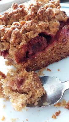 Crousti-fondant et fruité,Gâteau crumble mirabelle et fraises