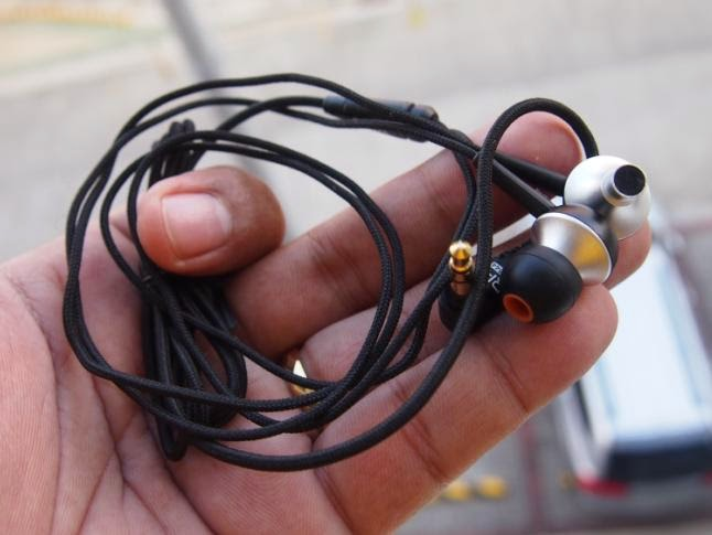 RHA MA-350 Noise Isolating In-Ear Headphones Review: Cut Off