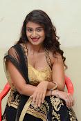 Kiran Chetwani sizzling Photos gallery-thumbnail-12