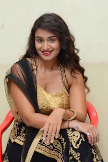Actress Kiran Chetwani sizzling 028.jpg