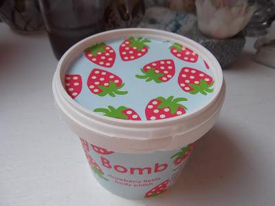 telový peeling Bomb Cosmetics