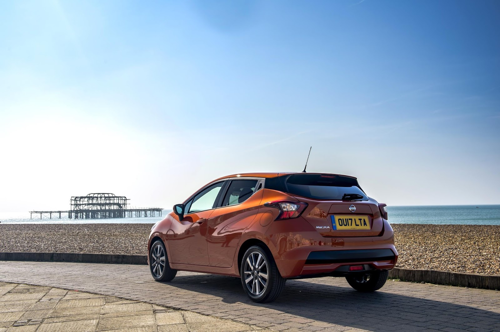 the motoring world the all new nissan micra a jump. Black Bedroom Furniture Sets. Home Design Ideas