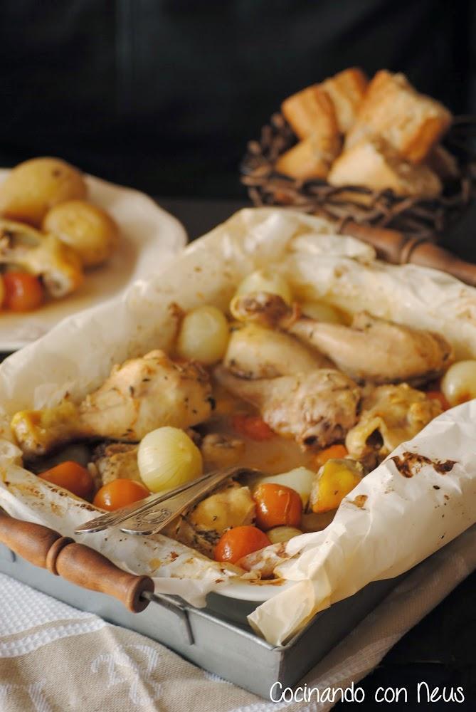 Muslitos de pollo con cebollitas y tomates cherrys al horno marinados con vino-cocinando-con-neus