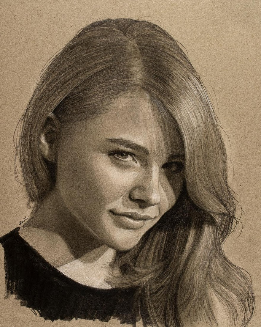 10-Chloe-Grace-Moretz-Justin-Maas-Pastel-Charcoal-and-Graphite-Celebrity-Portraits-www-designstack-co