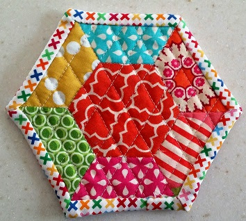 hexagon mug rug colorful