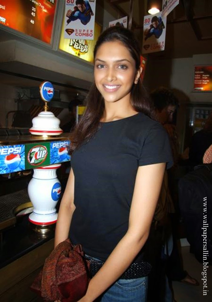 Real life deepika padukone photo