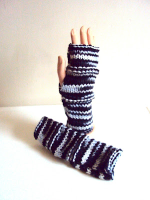 https://www.etsy.com/listing/244854887/fingerless-gloves-grey-mittens-arm?ref=shop_home_active_2