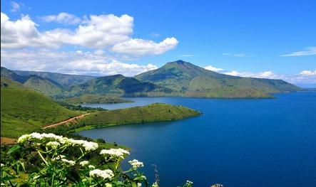 Tempat wisata danau paniai di papua