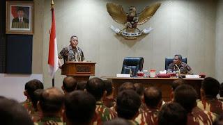 Mentri Pertahanan Dorong TNI Agar Ikut Terlibat Langsung Tangani Teroris