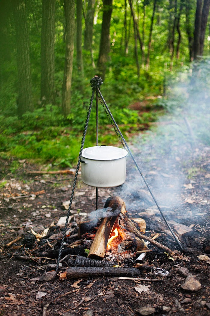 Diy campfire cooking station poppytalk for Diy cooking