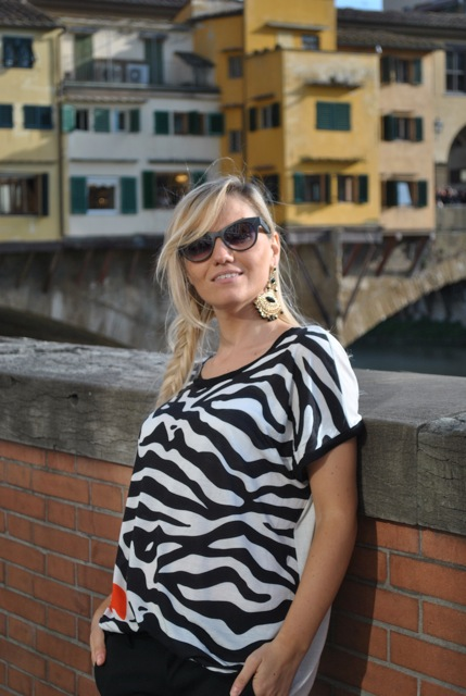 outfit bianco e nero come abbinare il bianco e nero abbinamenti bianco e entro how to wear black and white black and white outfit how to combine black and white how to match black and white felicia magno t-shirt t-shirt stampa zebrata come abbinare la stampa zebrata how to wear zebra print how to combine zebra print how to match zebra print zebra print outfit outfit gennaio 2016 outfit gennaio 2016 january  outfit january 2016 outfits casual winter outfit mariafelicia magno fashion blogger colorblock by felym fashion blog italiani fashion blogger italiane blog di moda blogger italiane di moda fashion blogger bergamo fashion blogger milano fashion bloggers italy italian fashion bloggers influencer italiane italian influencer