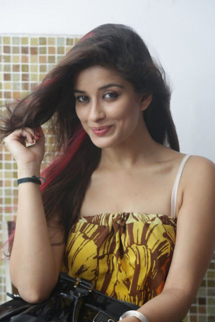 Madhurima Banerjee In Sleeveless Dress Latest Hot Photos -2068