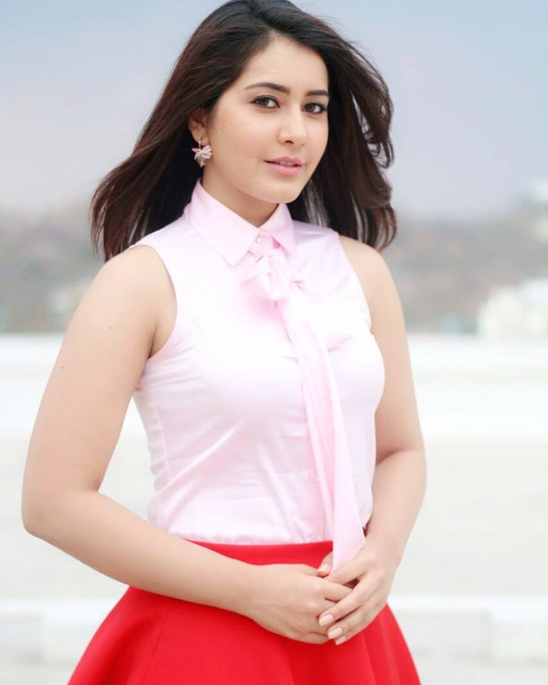 Hot Actress Rashi Khanna Stills In Pink Dress