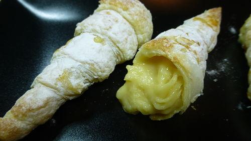 Canutillos rellenos de crema