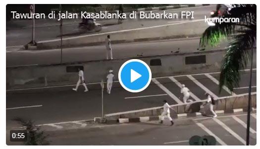 [Video] Begini Aksi FPI Bubarkan Tawuran Warga di Jalan Kasablanka