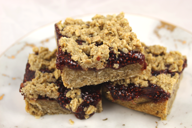 Strawberry Chia Oat Bars