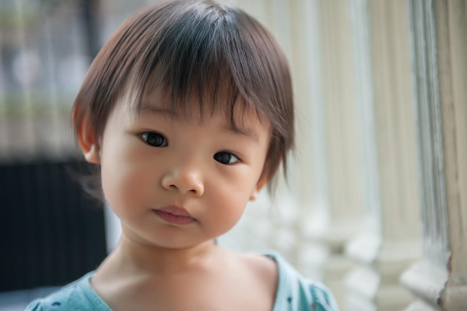 守護那雙小小的靈魂之窗: 照顧眼睛健康,別讓孩子失去光明的未來-- 五件學齡前幼童的父母要做的事