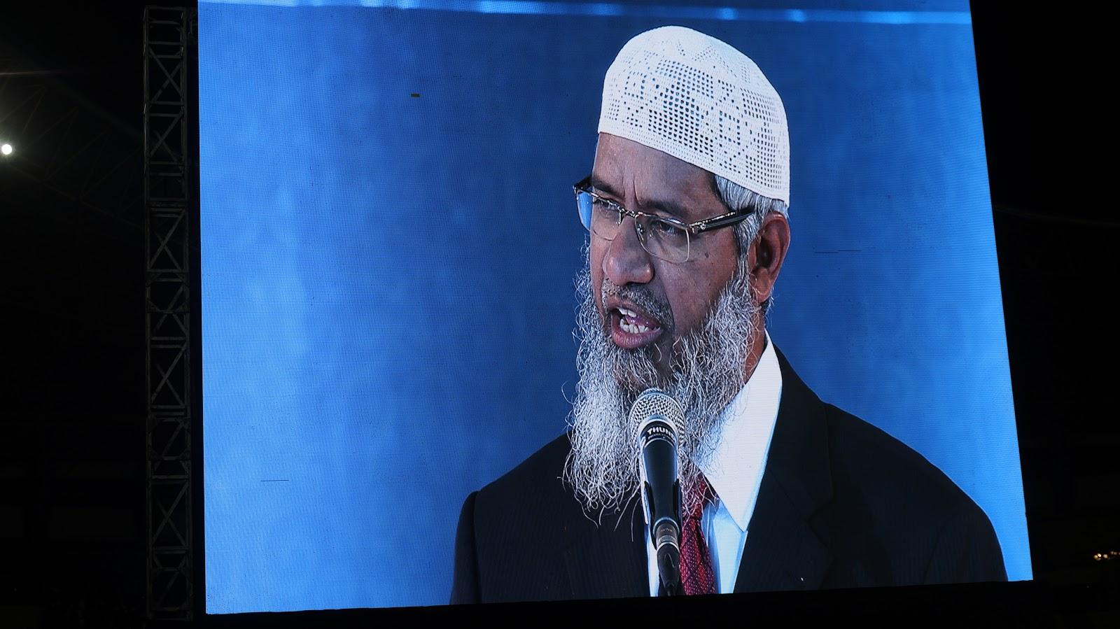 Resmi Sebagai Warga Malaysia, Zakir Naik Pun Dibela