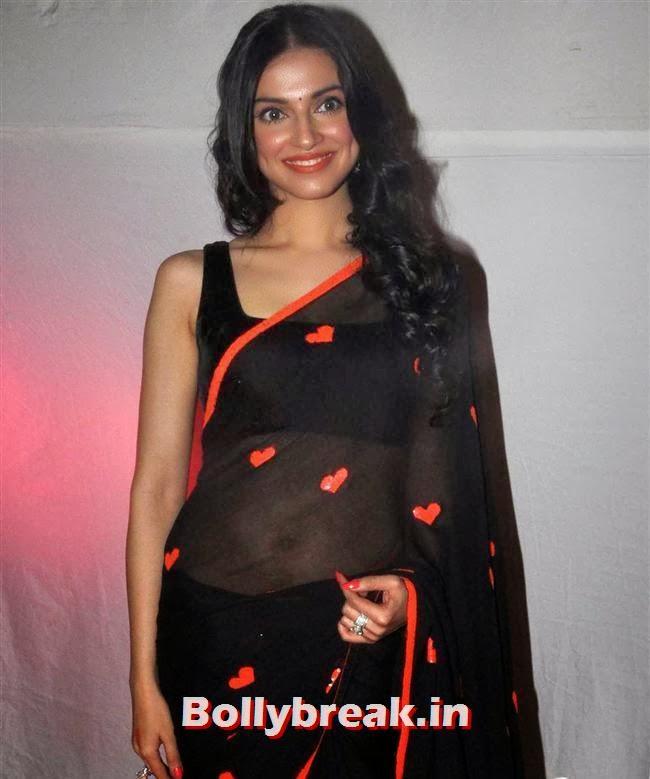 Divya Khosla, Divya Khosla at Yaariyan Success Bash in Black Saree