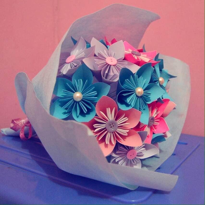 Hi Q Dari Kertas Berubah Menjadi Bunga Cantik Dan Lahan Bisnis Q
