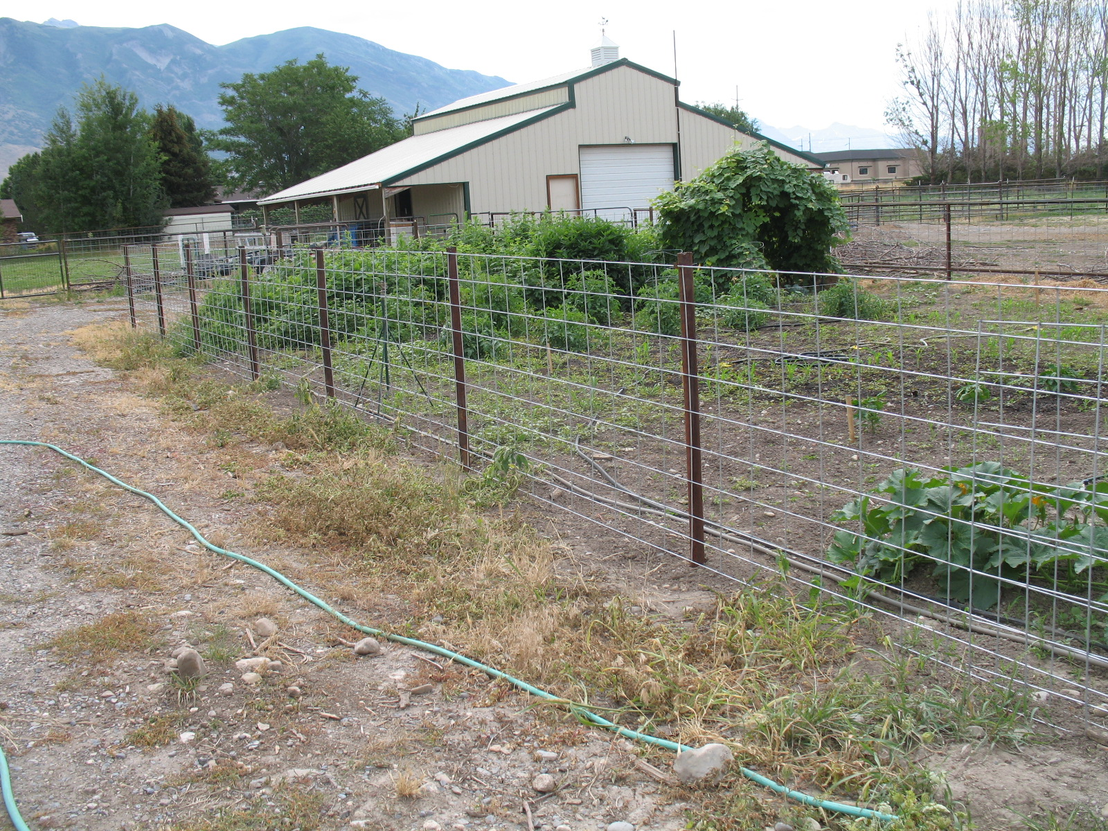 Welcome Home Farm Fencing Idea