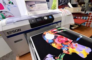 Perbedaan Print Kaos DTG dan Sablon Manual