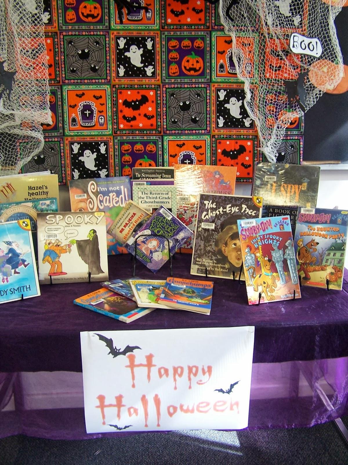 Library Displays Halloween