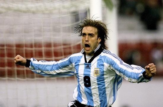 Gabriel Batistuta là chân sút xuất sắc nhất lịch sử bóng đá Argentina.