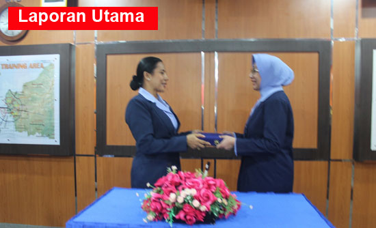 SERTIJAB : Acara alih tugas  kepada Ny. Hary M. Ambon di ruang Briefing Disops, Selasa (24/10).  Photo courtesy Kapental TNI Lanud Supadio