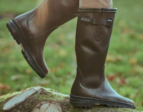 685bf8a719d Wat zijn goede rubberen laarzen die je voeten goed droog houden in de  regen? Maar die er ook heel mooi uitzien en heel comfortabel zijn om te  dragen?