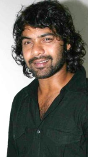 Shabbir Ahluwalia wife, son, age, family, sriti jha, kanchi kaul, instagram, tv shows, first wife, religion, wedding, baby, team, movies, dance, kumkum bhagya, brother, biography, biodata