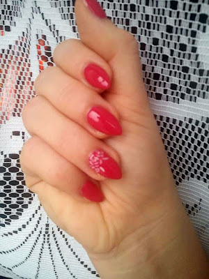 066 glossy cranberry