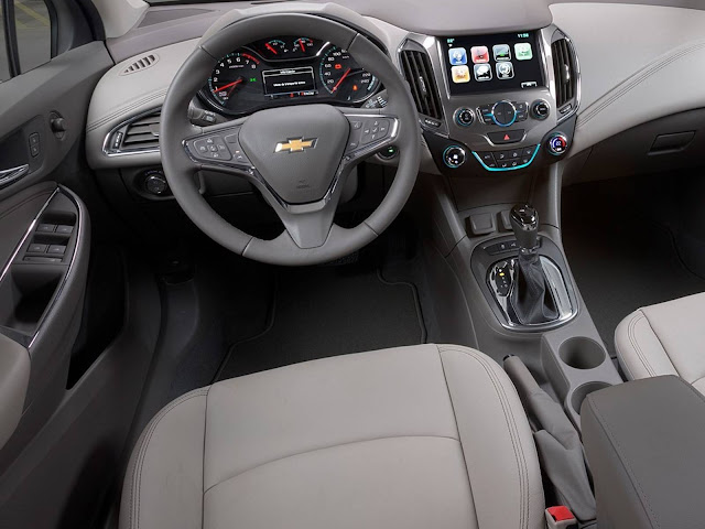 Novo Cruze Hatch 2017 - interior