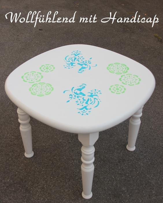 wollf hlend mit handicap ein tisch ein tisch. Black Bedroom Furniture Sets. Home Design Ideas