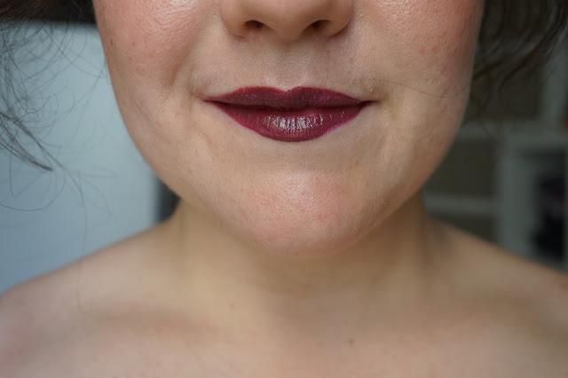 rouge_favoris_red_lipsticks_revue_avis_swatches_burberry_full_kisses_oxblood