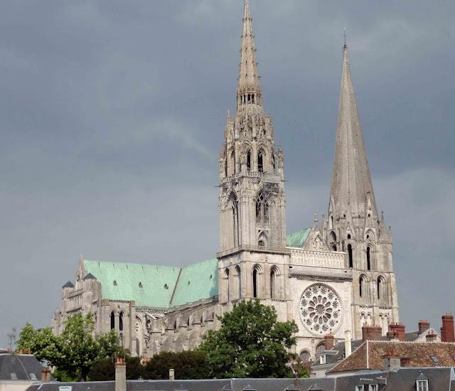 A catedral de Chartres hoje