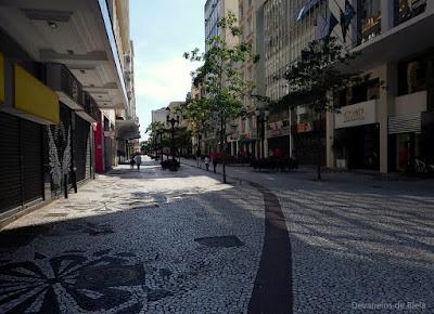 Curitiba Free Walking pelo Centro histórico - Rua XV de Novembro