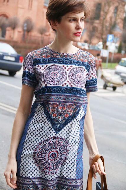 wiosenny look, sukienka, blog po 30-tce, Novamoda streetstyle, novamoda stylizacje, street style poznań