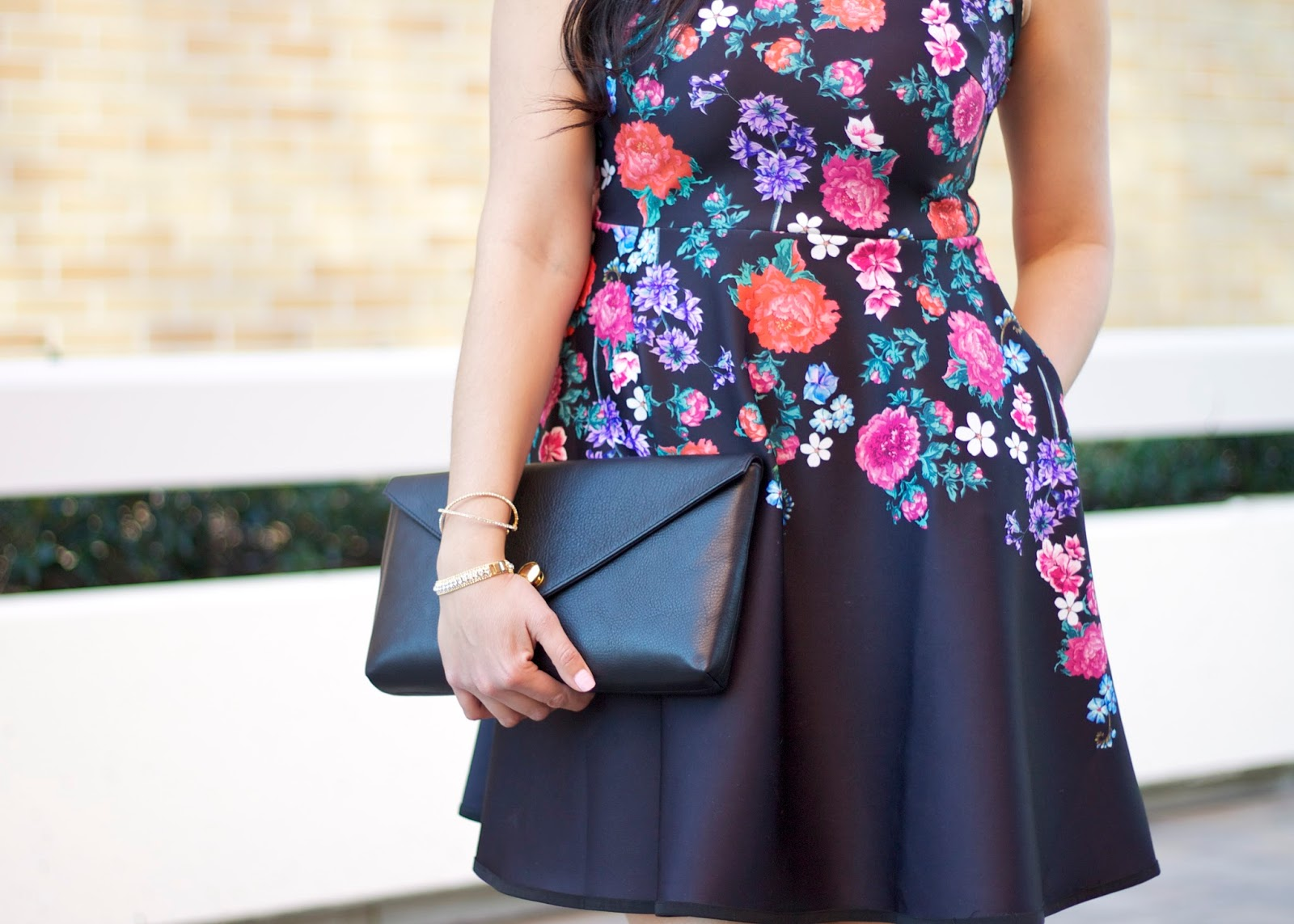 Floral skater dress, black linell ellis clutch, black structured clutch, what to wear this spring