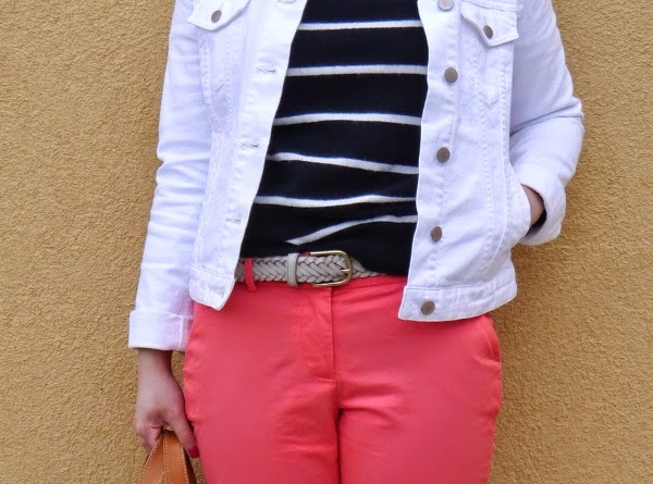 Details: Sailor stripes, white denim, braided belt, coral trousers