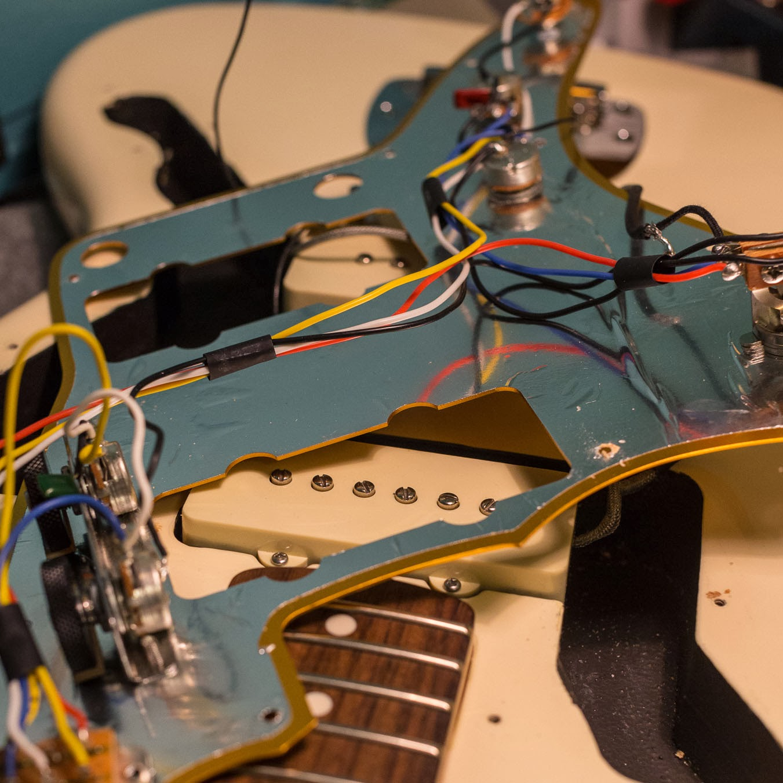Squier J Mascis Jazzmaster Original Electronics