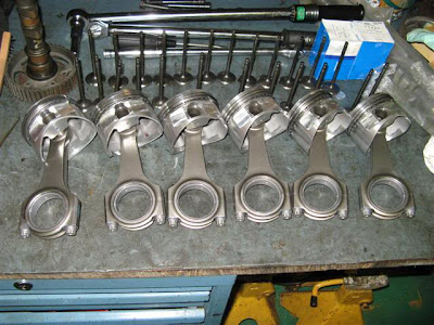 upgraded Pistons rods ready for engine build